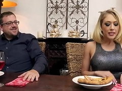 Blonde babe Kagney Linn Karter pussy wielded by big dick dude
