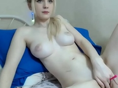CamGirlsUSA - Natural Big Tits Blonde Shows You How She Masturbates For Fun