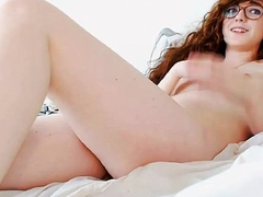 Webcam Redhead girl playing with herself - see more to hand HornyNakedGirls.online