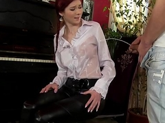 girl gets dramatize expunge piss fix by piano service man